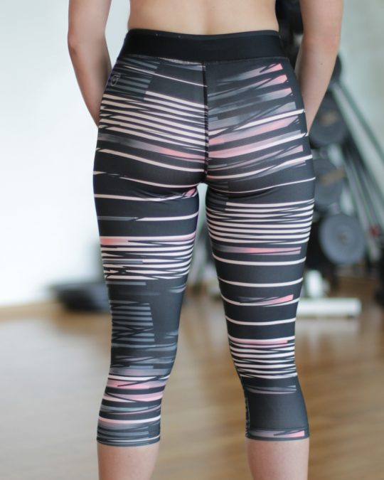 Puma three quarter salmon tights